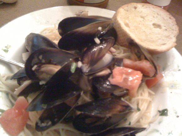 Pasta and mussels, 4/17/10